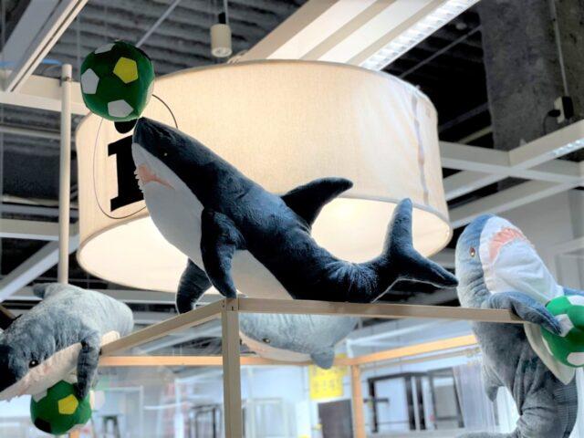 IKEAのサメディスプレイ